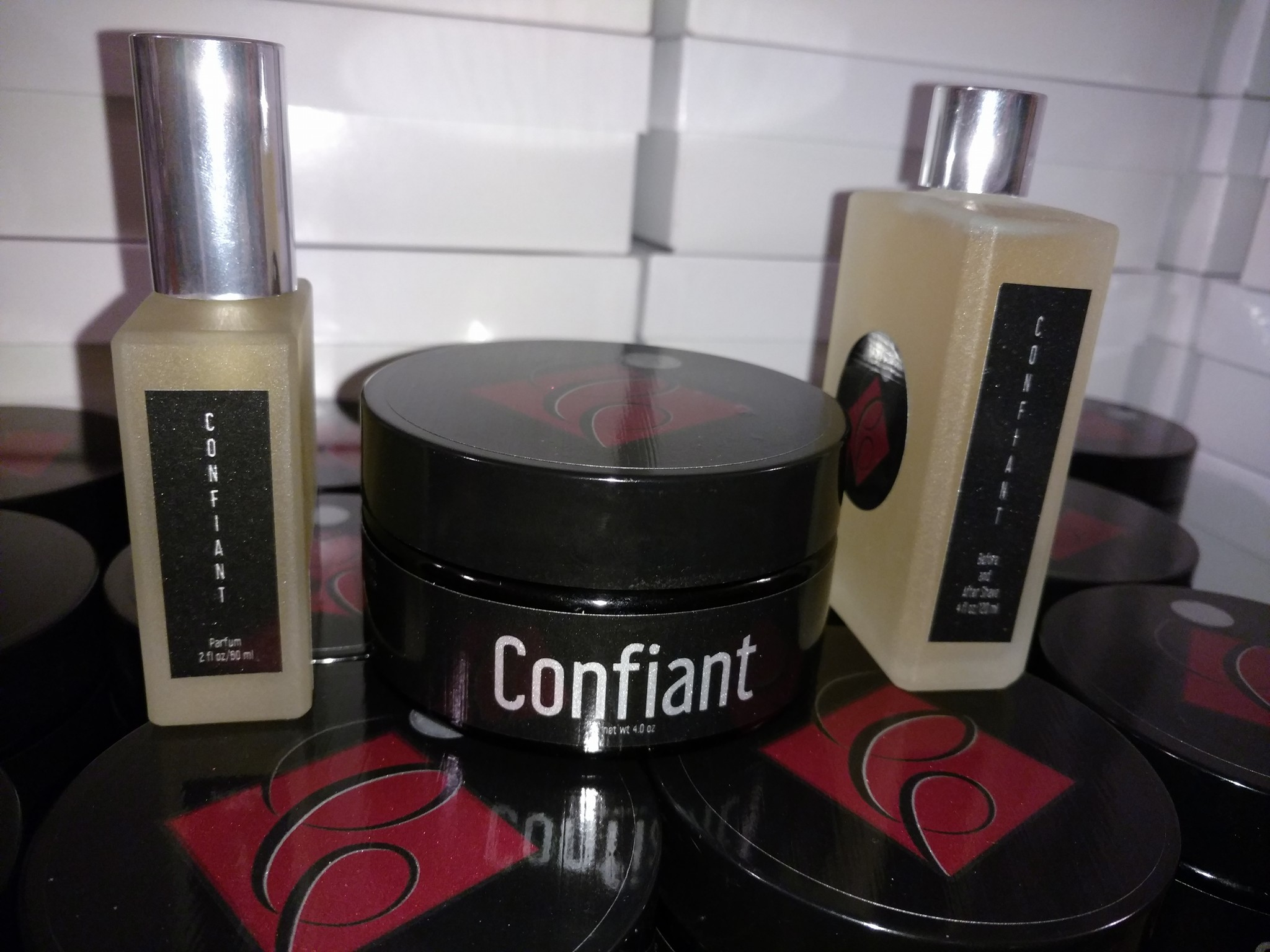 Catie's Bubbles - Confiant - Aftershave image
