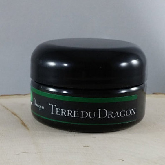 Dapper Dragon - Terre du Dragon - Scale Polish image